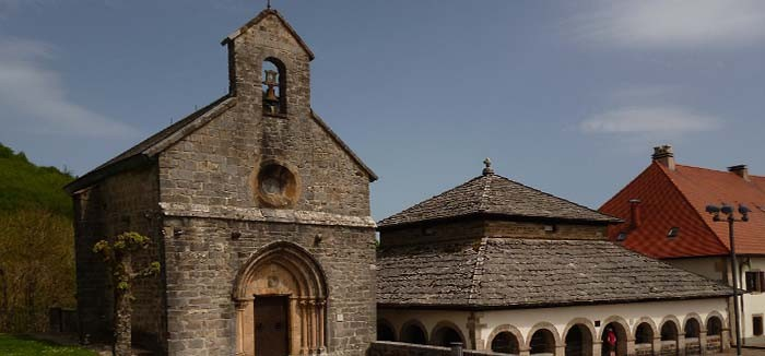 1Nap-Capilla-de-Sancti-Spiritus-Roncesvalles-el-camino-szent-jakab-utja