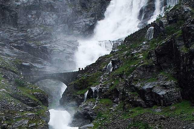 Stigfossen vízesés Trollstigen