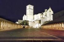 Zarándokút via Francigena di San Francesco Assisi Szent Ferenc bazilika éjszaka – Olaszország