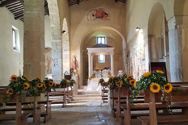 Zarándokút via Francigena di San Francesco esküvő chiesa di Santa Vittoria Monteleone-Olaszország