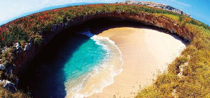 Hidden-Beach-Puerto-Vallarta-Mexico