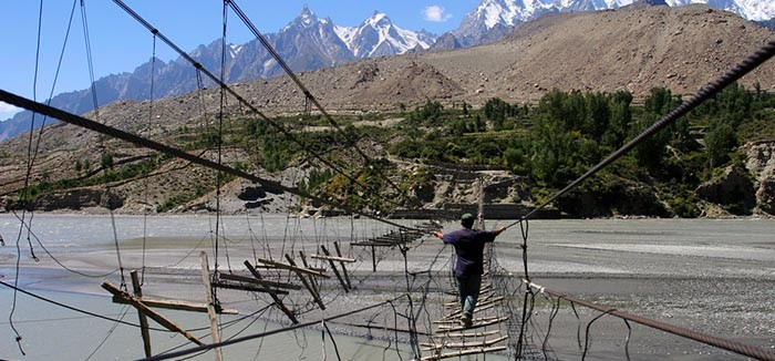 hussaini-hanging-bridge_1st